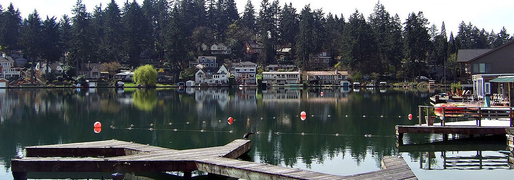 Lake Oswego Roofing Contractors by Executive Roof Services. Image of Lakewood Bay Oswego Lake in Lake Oswego, Oregon.